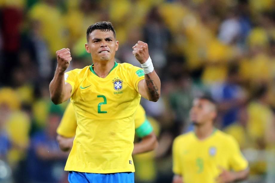 Thiago Silva comemora após marcar gol durante partida entre Brasil e Sérvia, válida pela terceira rodada do grupo E da Copa do Mundo  - 27/06/2018