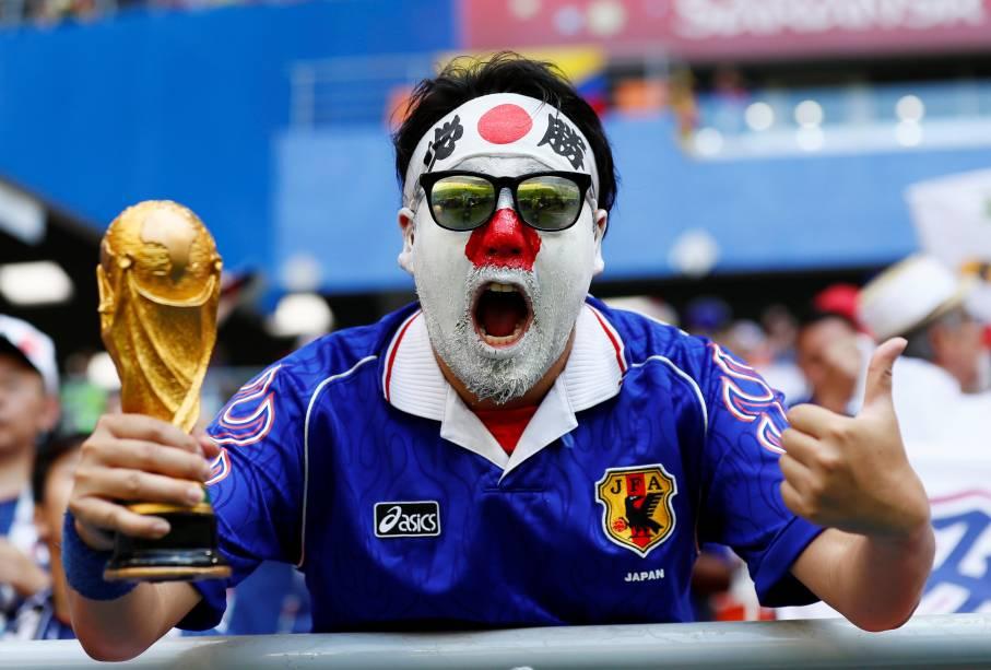 Torcedor do Japão aguarda o início da partida contra a Colombia, válida pelo Grupo H da Copa do Mundo Rússia 2018