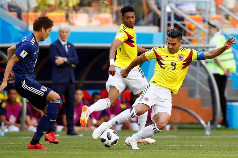 O colombiano Radamel Falcao em ação contra os japoneses durante o confronto válido pelo Grupo H da Copa do Mundo Rússia