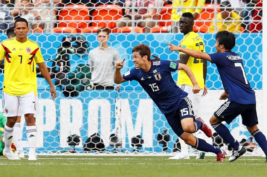 Yuya Osako, do Japão, comemora após marcar de cabeça o segundo gol contra a Colombia, durante o confronto do Grupo H, no estádio Mordovia Arena