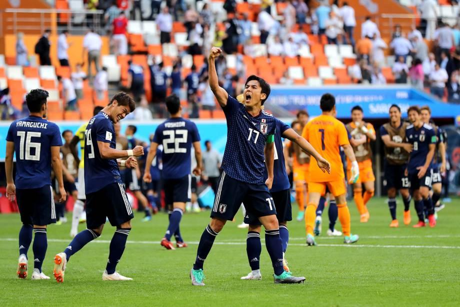 Jogadores do Japão comemoram a vitória por 2 a 1 sobre a Colombia durante o primeiro confronto do Grupo H