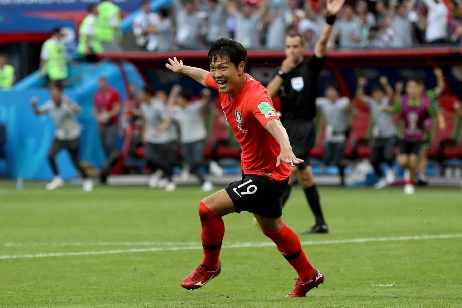 Kim Young-gwon da Coreia do Sul comemora seu primeiro gol em partida contra a Alemanha - 27/06/2018