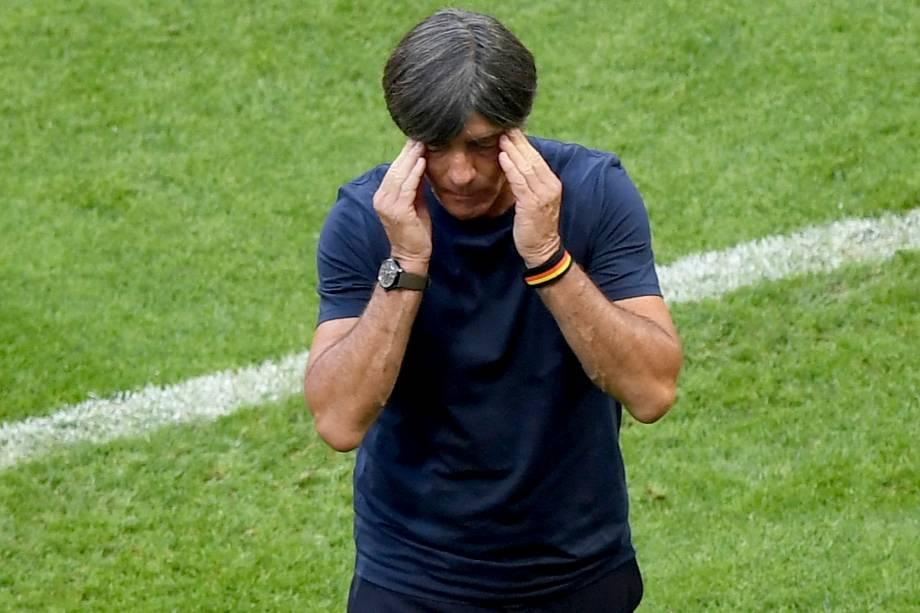 O técnico alemão, Joachim Löw, reage durante a partida contra a Coréia do Sul, na Arena Kazan - 27/06/2018