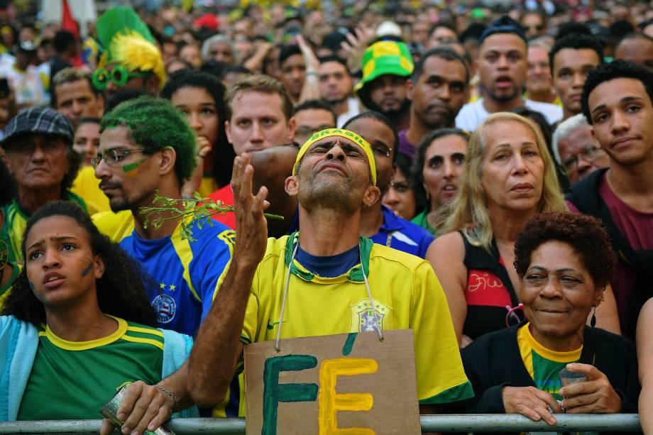 Torcedor brasileiro reage após a Seleção empatar por 1 a 1 com a Suíça - 17/06/2018