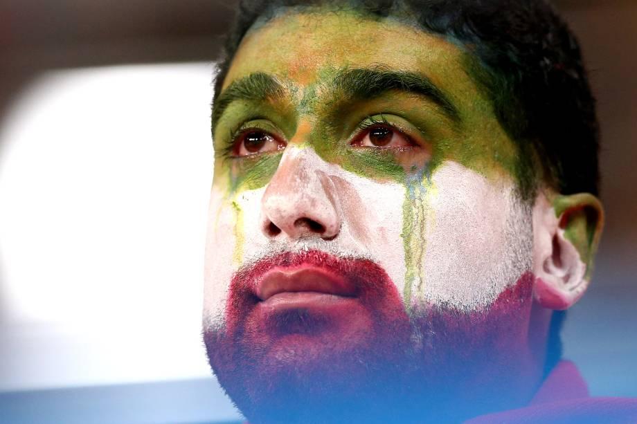 Torcedor chora após o Irã ser eliminado da Copa do Mundo, em empate com Portugal por 1 a 1 - 25/06/2018