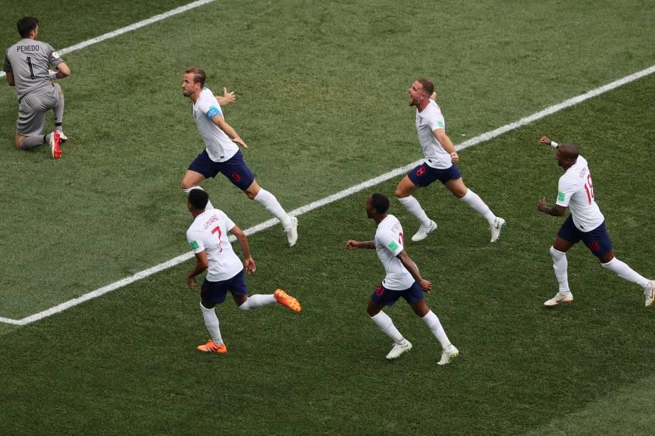 O atacante Harry Kane comemora o segundo gol da Inglaterra  contra o Panamá, em partida válida pela segunda rodada do grupo G em Níjni Novgorod - 24/06/2018