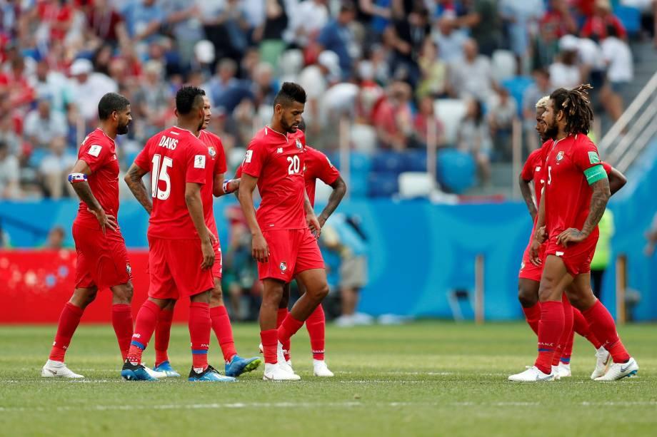 Jogadores do Panamá reagem durante goleada sofrida contra a Inglaterra em Níjni Novgorod - 24/06/2018