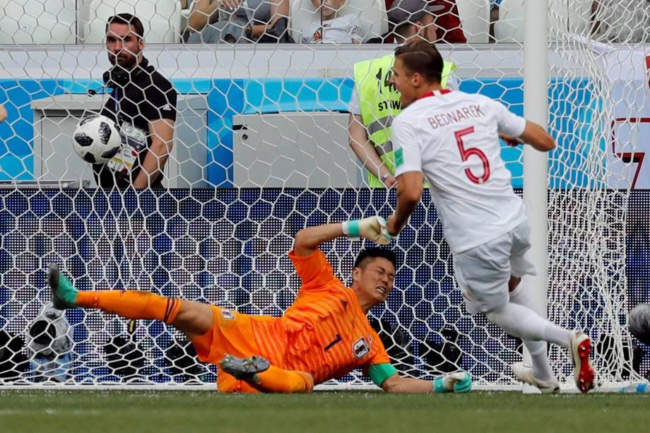 Jan Bednarek marca o gol da Polônia na partida contra o Japão, válida pela terceira rodada do grupo H, na arena Volgogrado - 28/06/2018