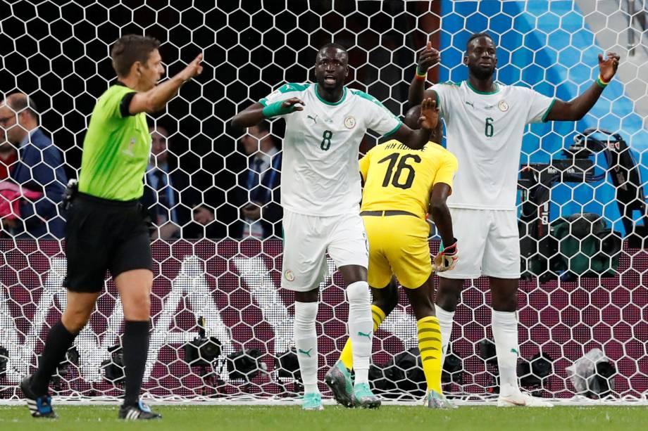 Defesa de Senegal lamenta o gol de empate do Japão, em partida válida pela segunda rodada do grupo H em Ecaterimburgo - 24/06/2018