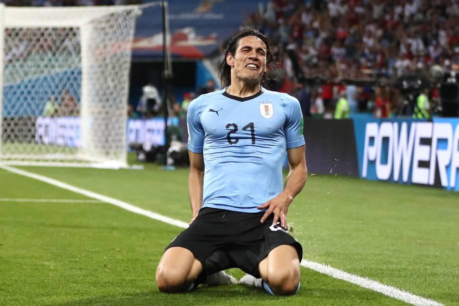 Edinson Cavani comemora o primeiro gol do Uruguai contra Portugal, na partida válida pelas oitavas de final - 30/06/2018