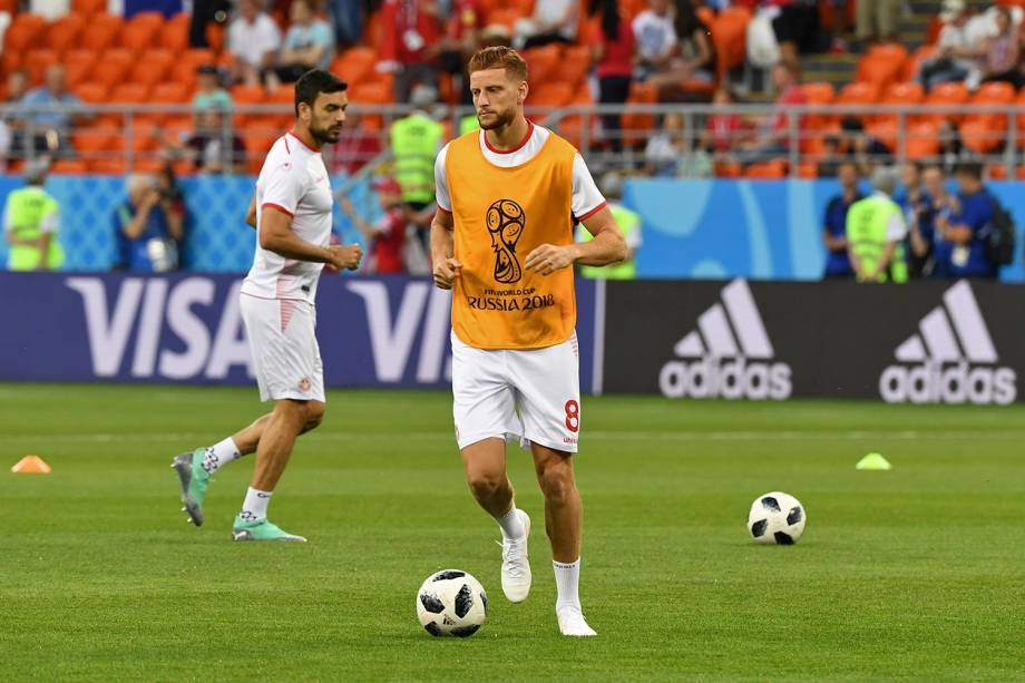 O atacante da Tunísia, Fakhreddine Ben Youssef, se aquece para a partida contra o Panamá, válido pela terceira rodada do grupo G, na Arena Saransk - 28/06/2018