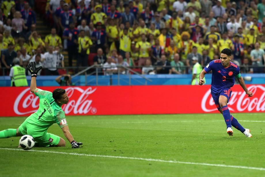 Radamel Falcao, marca o segundo gol para a Colômbia sobre a Polônia na Arena Kazan - 24/06/2018