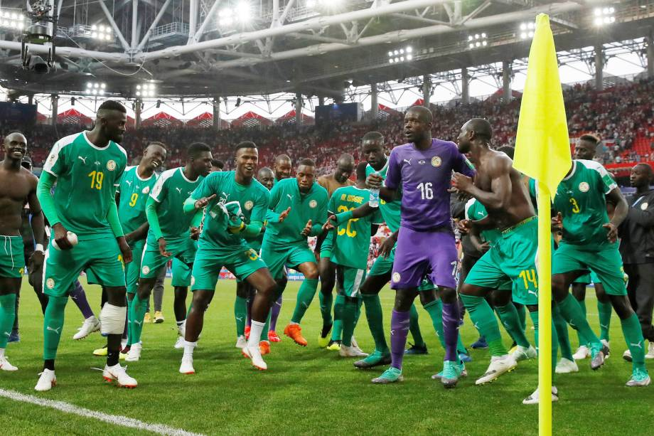 Jogadores de Senegal comemora vitória sobre a Polônia na partida de estreia do grupo H em Moscou - 19/06/2018