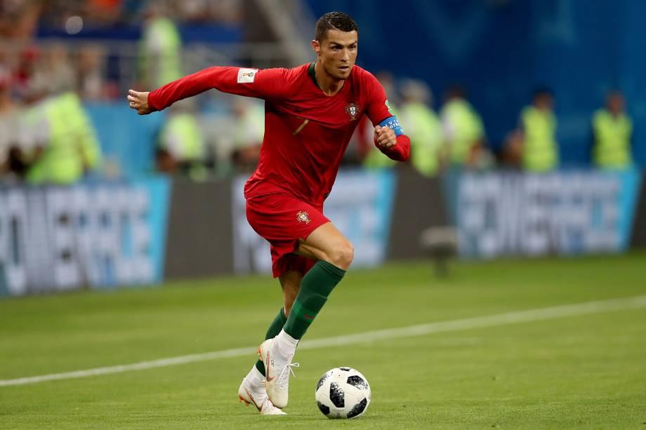 "10 . O jogador português Cristiano Ronaldo -<span style=""color:#3c3c3c;font-family:times new roman, serif;font-size:large;"">US$ 108 milhões</span><span style=""color:#3c3c3c;font-family:Georgia, Times New Roman, serif;font-size:large;""></span>"