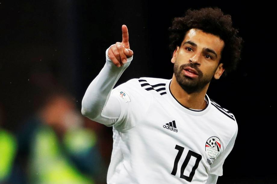 Mohammed Salah comemora após marcar gol de pênalti durante partida entre Rússia e Egito, válida pelo grupo A da Copa do Mundo - 19/06/2018