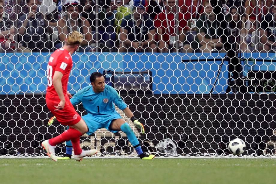 Josip Drmic marca segundo gol da Suíça em partida contra a Costa Rica - 27/06/2018