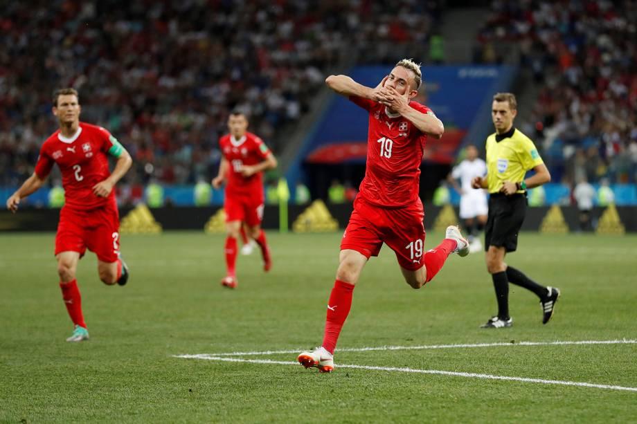 Josip Drmic comemora segundo gol da Suíça em partida contra a Costa Rica - 27/06/2018