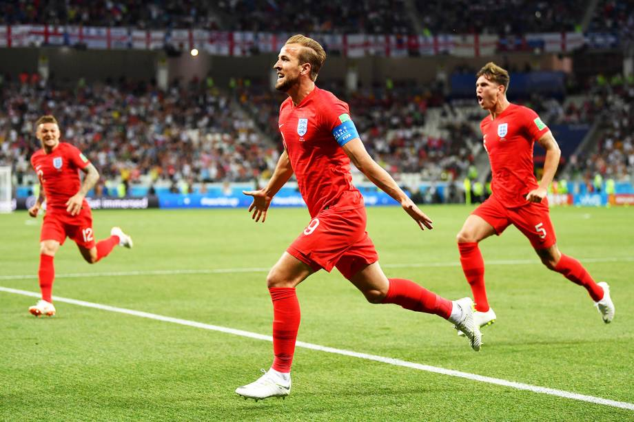 Harry Kane (centro), da Inglaterra, comemora após marcar gol durante partida contra a Tunísia, válida pelo grupo G da Copa do Mundo, realizada em Volgogrado - 18/06/2018