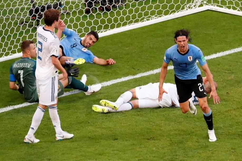 O atacante Edinson Cavani comemora o terceiro gol do Uruguai na partida contra a Rússia, válida pela terceira rodada do grupo A na arena Samara - 25/06/2018