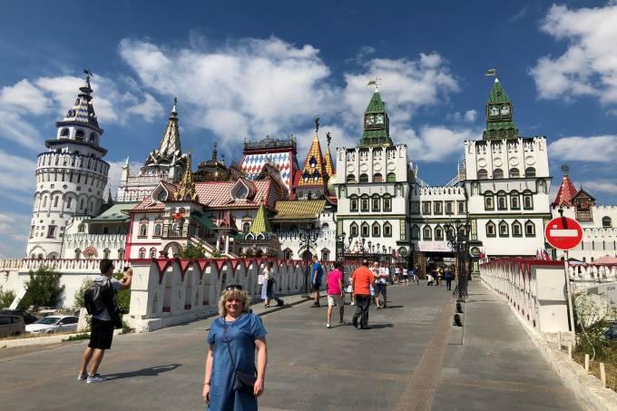 Kremlim de Izmailovo, em Moscou: feirinha e comidas
