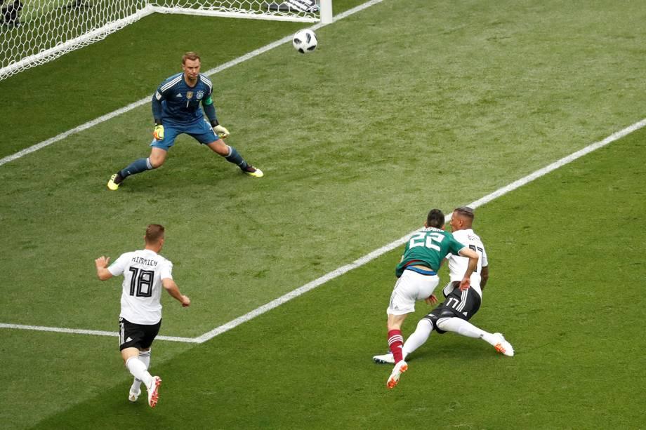 Hirving Lozano do México perde chance de marcar gol contra a Alemanha - 17/06/2018