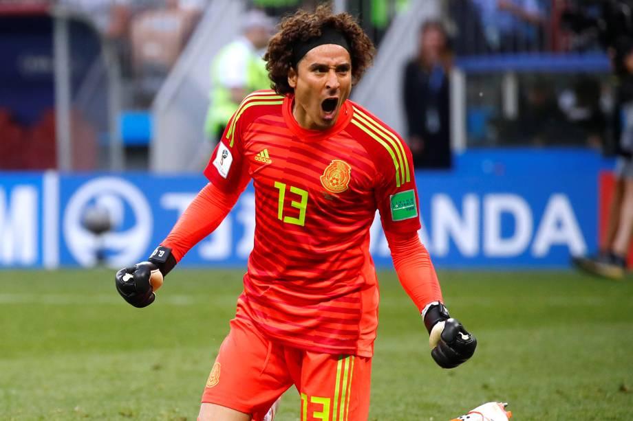 Guillermo Ochoa, goleiro da seleção mexicana comemora vitória em jogo contra a Alemanha - 17/06/2018