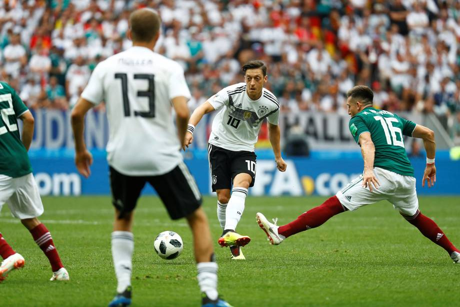 Mesut Ozil durante partida contra o México - 17/06/2018