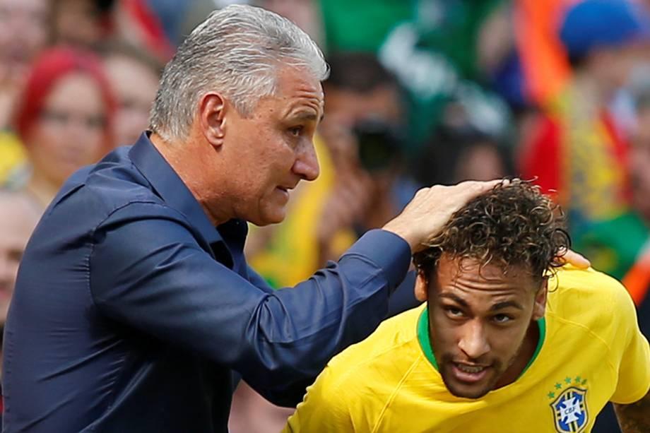 Neymar comemora seu primeiro gol com o técnico Tite em amistoso contra a Croácia - 03/06/2018
