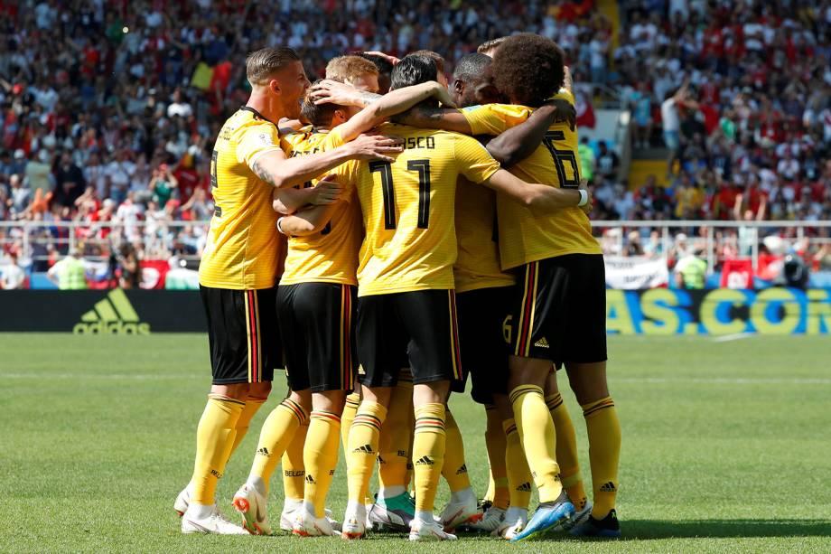 Jogadores da Bélgica comemoram primeiro gol da partida contra a Tunísia no Estádio Spartak - 23/06/2018