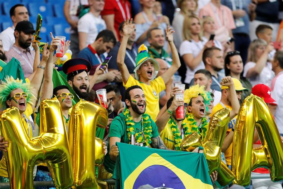 Torcedores comparecem na Arena Rostov, para acompanhar partida entre Brasil e Suíça, válida pelo grupo E da Copa do Mundo - 17/06/2018