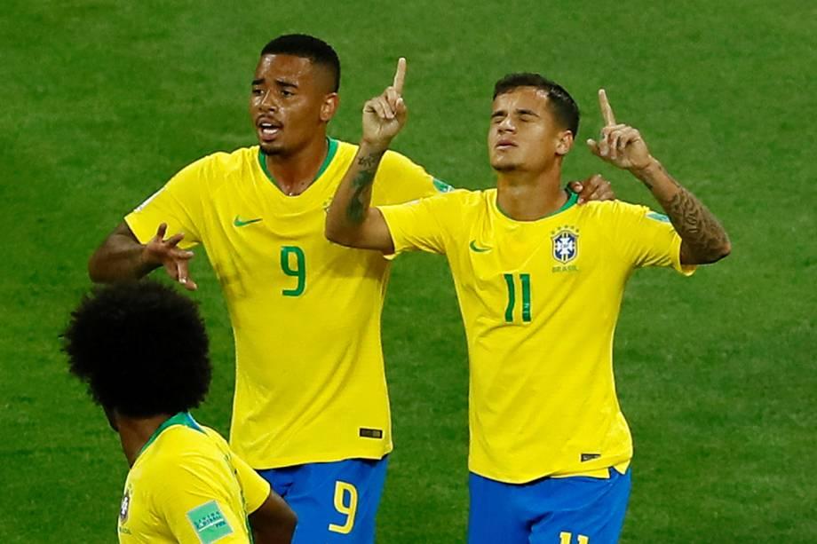 Philippe Coutinho comemora após marcar gol durante partida entre Brasil e Suíça, válida pelo grupo E da Copa do Mundo - 17/06/2018