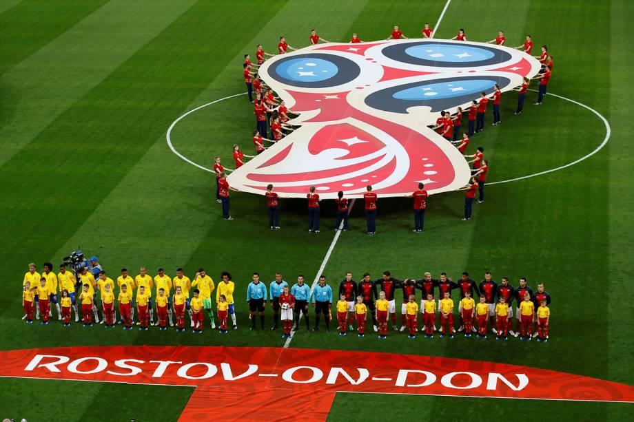 Brasil e Suíça se alinham antes de partida na Arena Rostov - 17/06/2018