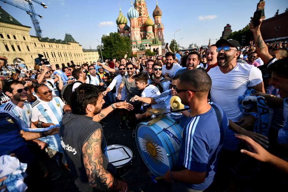 Torcedores argentinos se concentram na Praça Vermelha, em Moscou - 18/06/2018