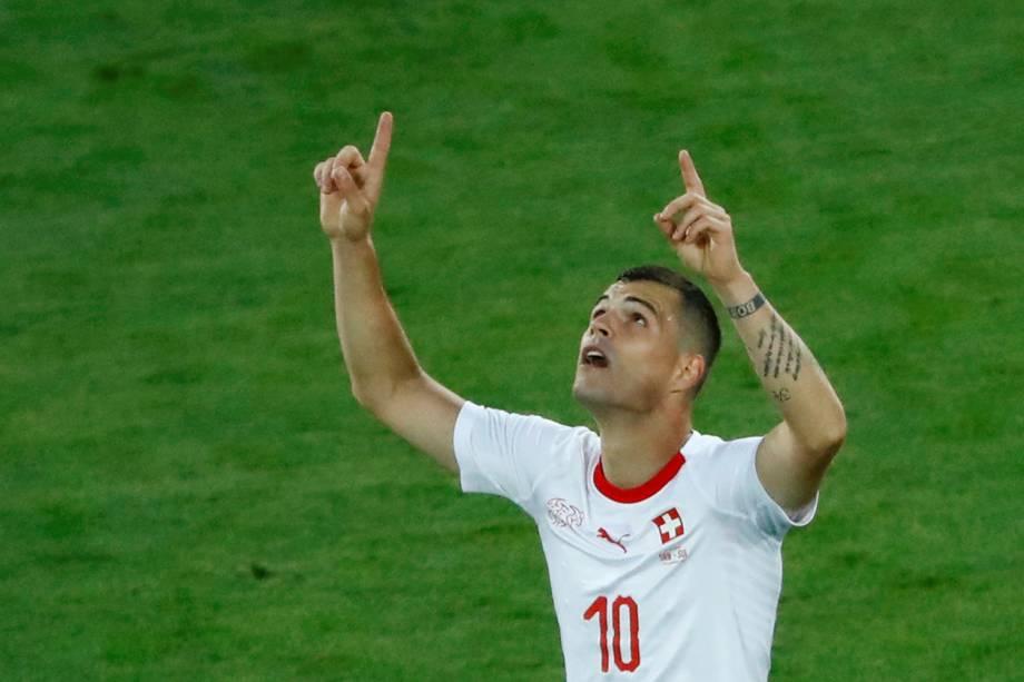Granit Xhaka comemora após empatar a partida contra a Sérvia, válida pela segunda rodada do grupo E da Copa do Mundo - 22/06/2018