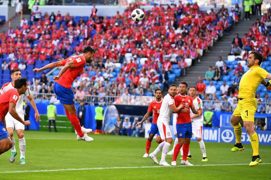 Giancarlo Gonzalez cabeceia para o gol - 17/06/2018
