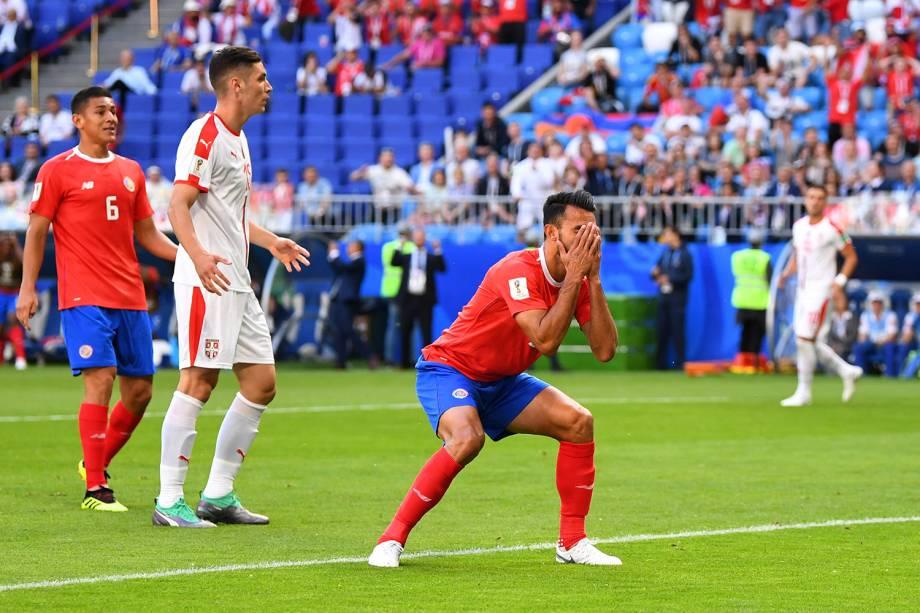 Giancarlo Gonzalez reage após perder chance de marcar um gol - 17/06/2018