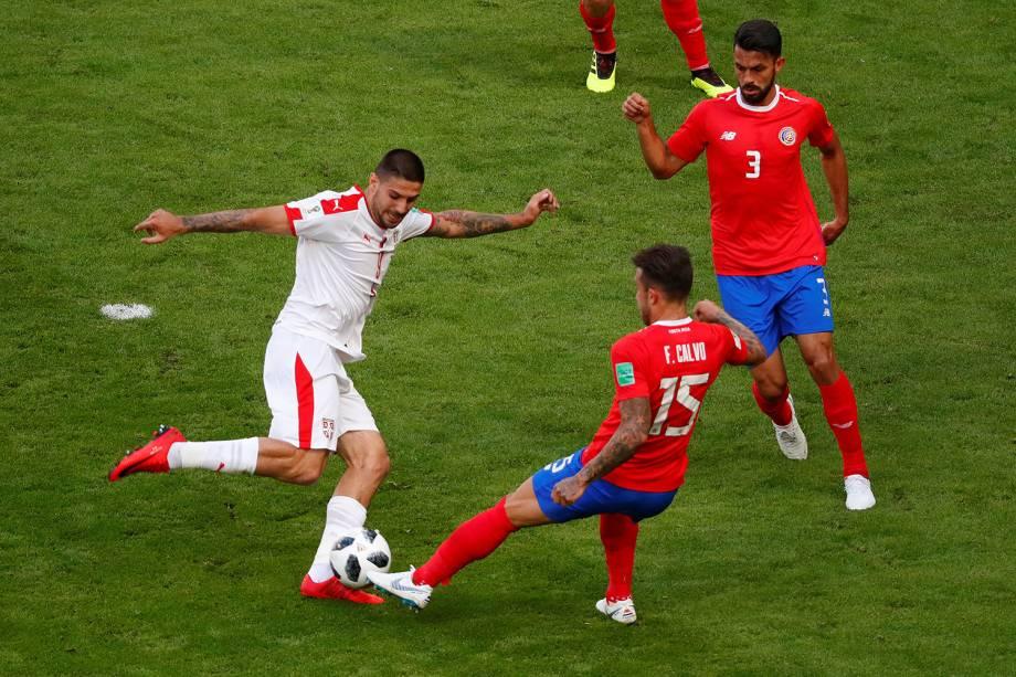 Aleksandar Mitrovic da Sérvia durante jogada em partida contra a Costa Rica - 17/06/2018