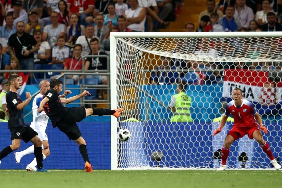 Milan Badelj da Croácia marca seu primeiro gol em partida contra a Islândia na Arena Rostov - 26/06/2018
