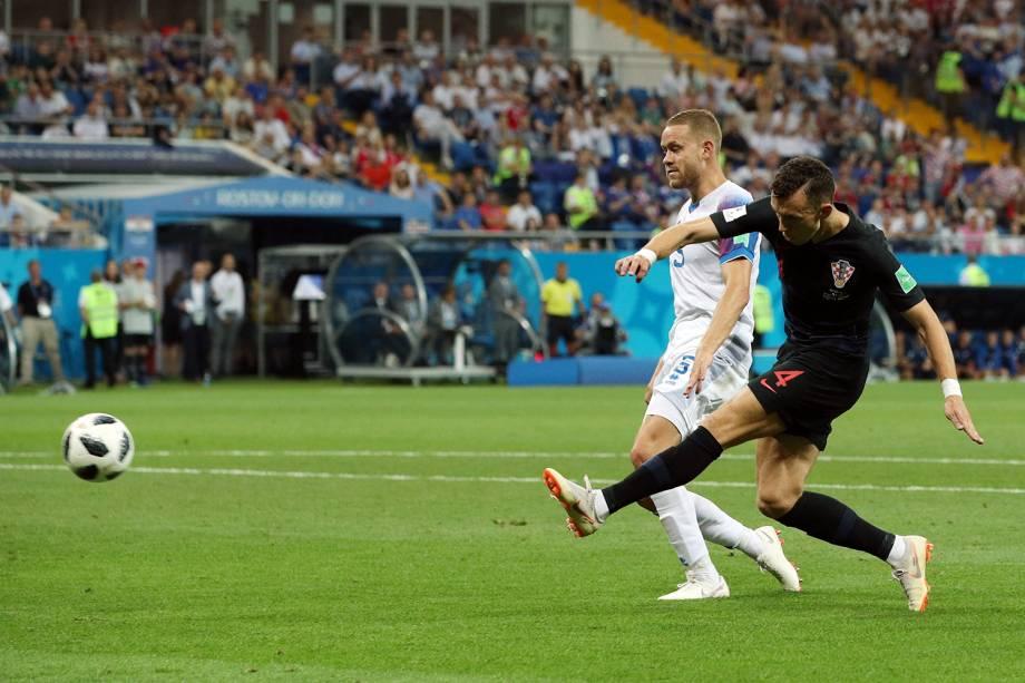 Ivan Perisic marca segundo gol da Croácia em partida contra a Islândia na Arena Rostov - 26/06/2018