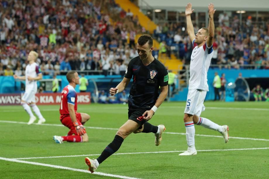 Ivan Perisic marca e comemora segundo gol da Croácia contra a Islândia - 26/06/2018