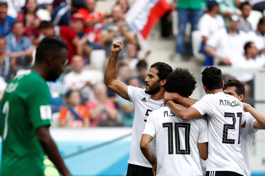 Seleção do Egito comemora primeiro gol em partida contra a Arábia Saudita - 25/06/2018