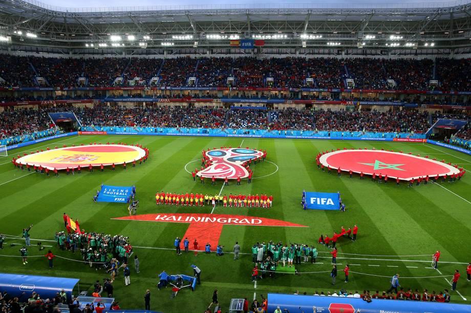 Times da Espanha e Marrocos se alinham antes de partida na Copa do Mundo 2018 no Estádio Kaliningrado - 25/06/2018