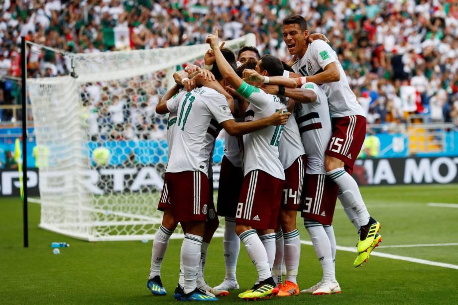 Time mexicano comemora primeiro gol em partida contra a Coreia do Sul - 23/06/2018