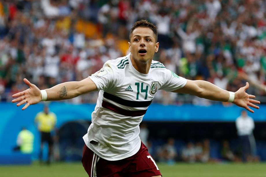 Javier Hernandez do México comemora seu primeiro gol na partida contra a Coreia do Sul - 23/06/2018