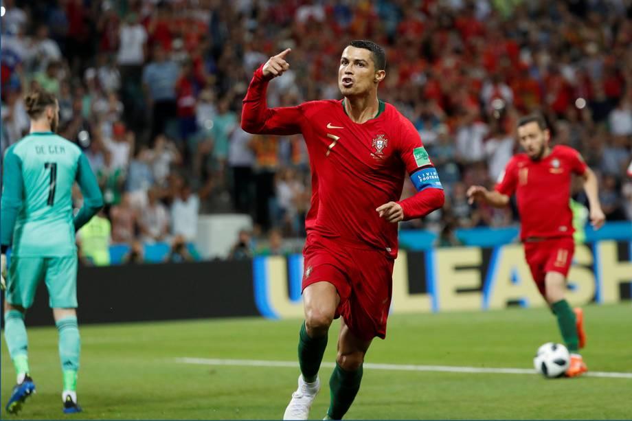 Cristiano Ronaldo comemora seu primeiro gol em partida contra a Espanha - 15/06/2018