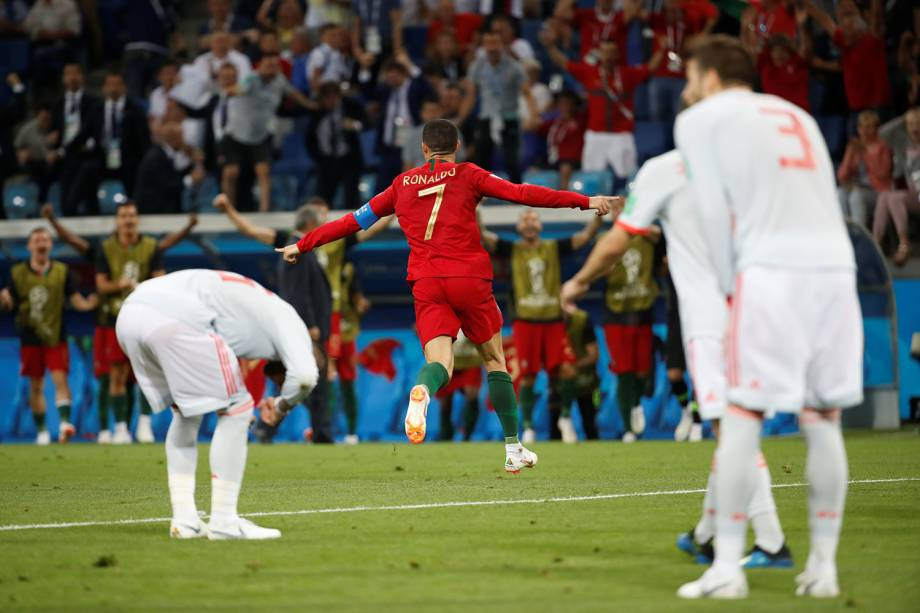 Cristiano Ronaldo comemora seu segundo gol - 15/06/2018