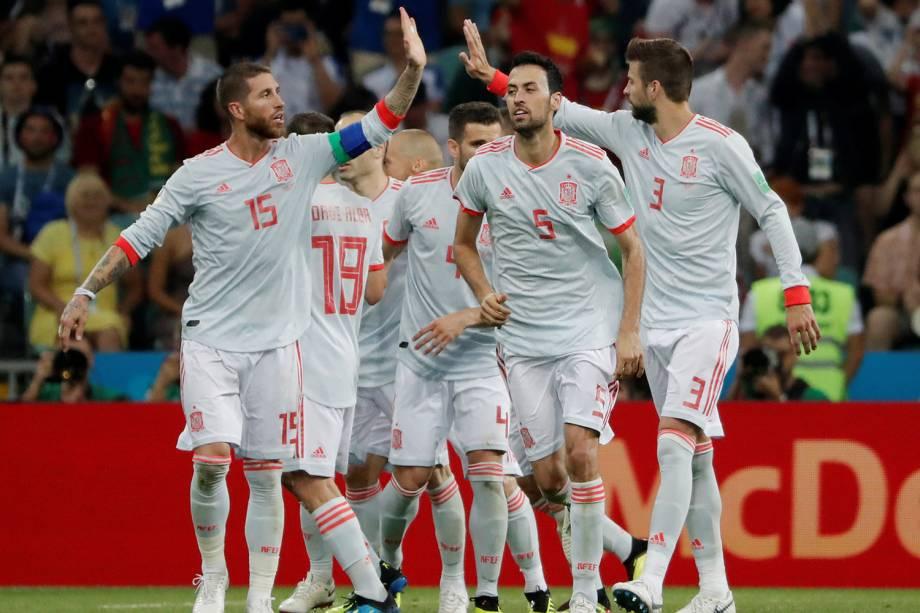 Seleção espanhola comemora segundo gol em partida contra Portugal - 15/06/2018