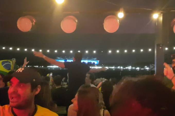 Torcida brasileira em Rostov Copa do Mundo Evidências