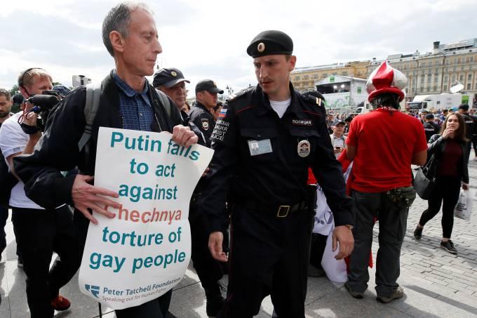 Ativista gay é preso na Rússia