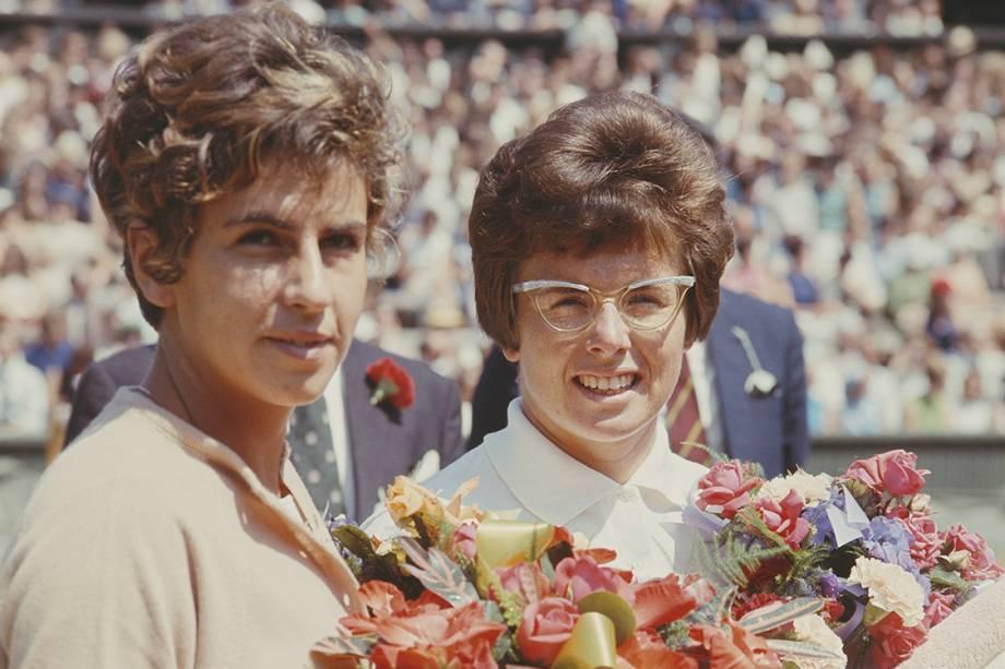 Maria Esther Bueno e Billie Jean King durante a final individual feminina no torneio de Wimbledon, em Londres - 30/6/1966